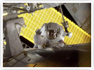03082013_astronaut_american_greetings